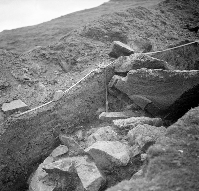 Excavation photograph. Looking toward N cutting I. 0-2m.