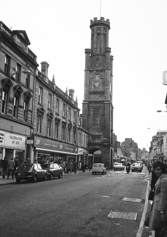General view of nos. 172 - 176 High Street and the Wallace Tower from N.