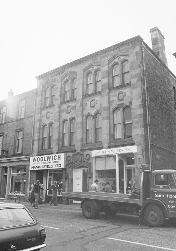 Blairgowrie, 31-37 High Street. General view of commercial and residential premises.