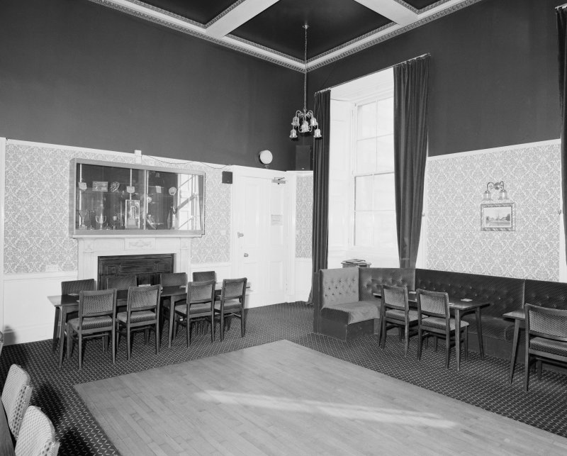 Dundee, Camperdown House, interior View of golf club lounge, first floor, from North East