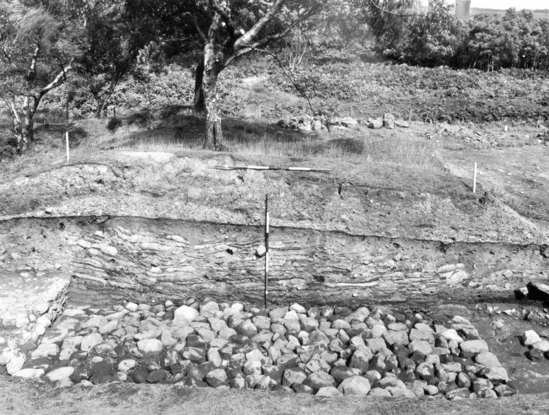 Excavation photograph - 1957/9 rampart section.