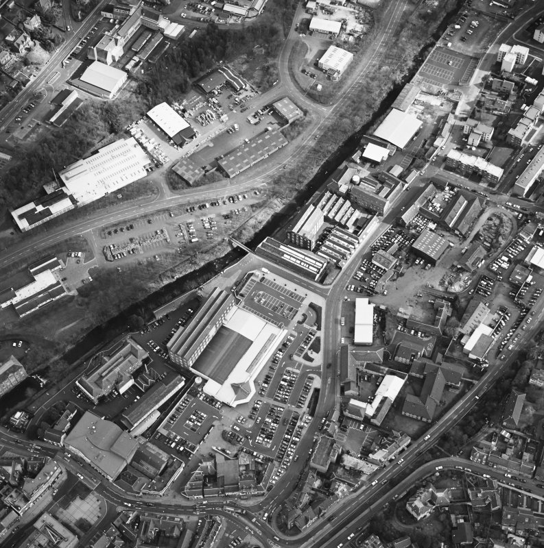 Oblique aerial view taken from the WNW.