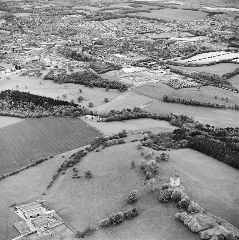 Oblique aerial view looking from Clackmannan Tower to Alloa, taken from the SE