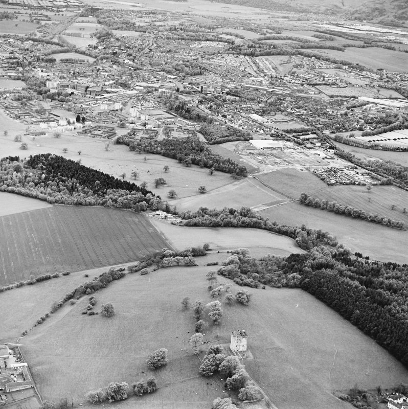 Oblique aerial view looking from Clackmannan Tower to Alloa, taken from the SSE