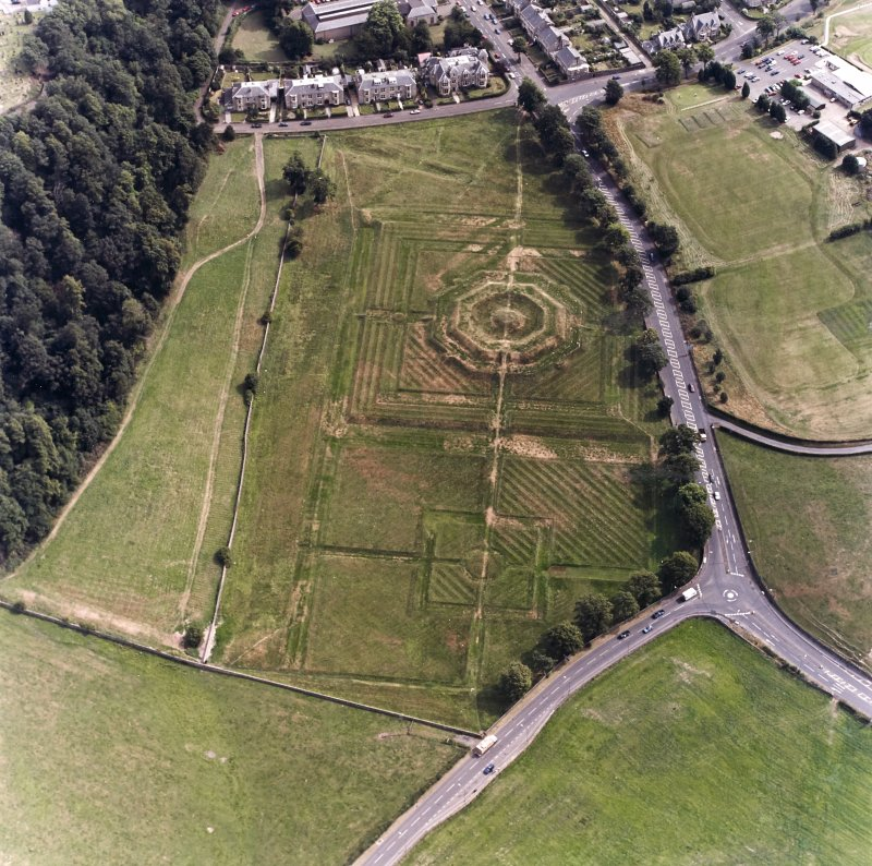 King's Knot, Stirling, oblique aerial view, taken from the NW.