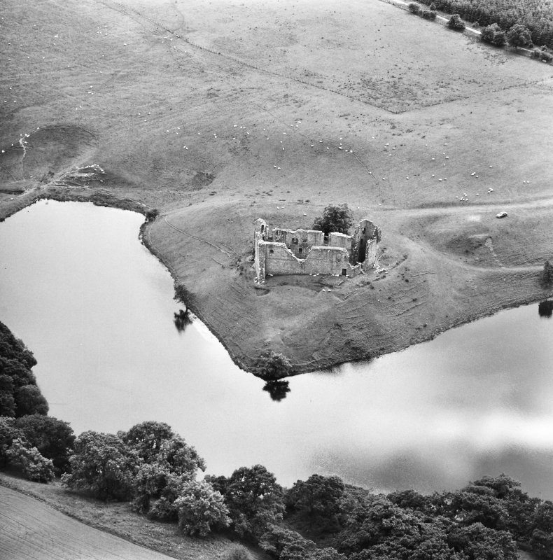 Aerial view of Morton Castle, from North