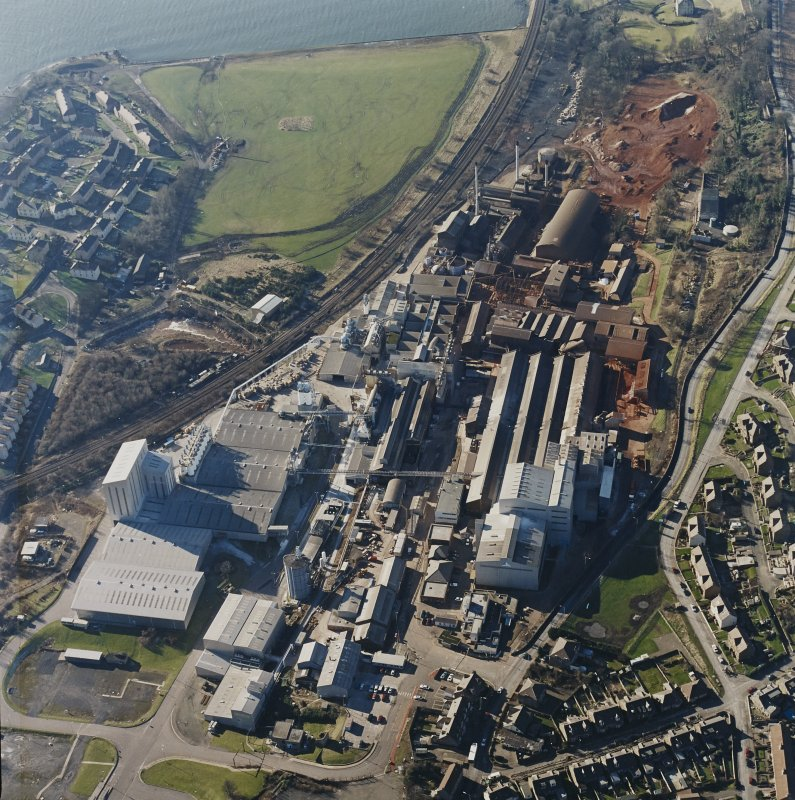 Oblique aerial view centred on the Alumina Works, taken from the ENE.