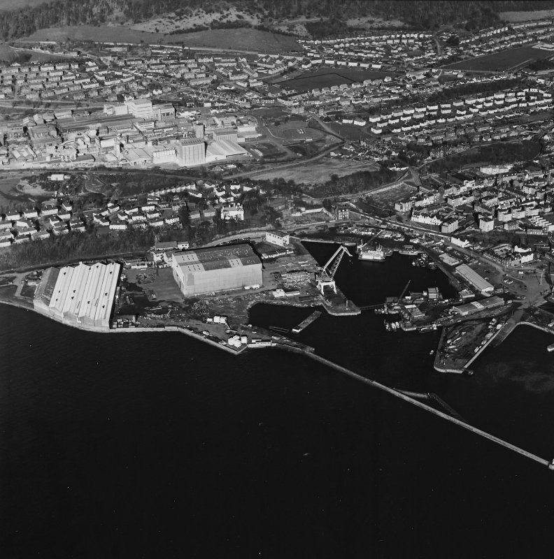 Oblique aerial view centred on Burntisland Harbour, taken from the SSW.