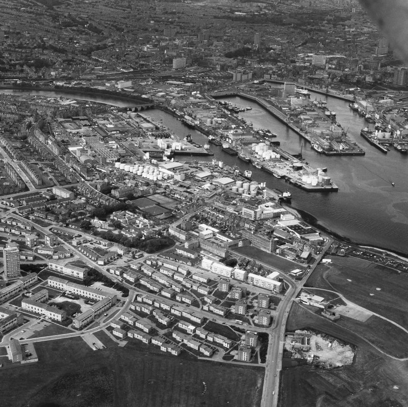 Aberdeen, Harbour and Balnagask. General oblique aerial view.