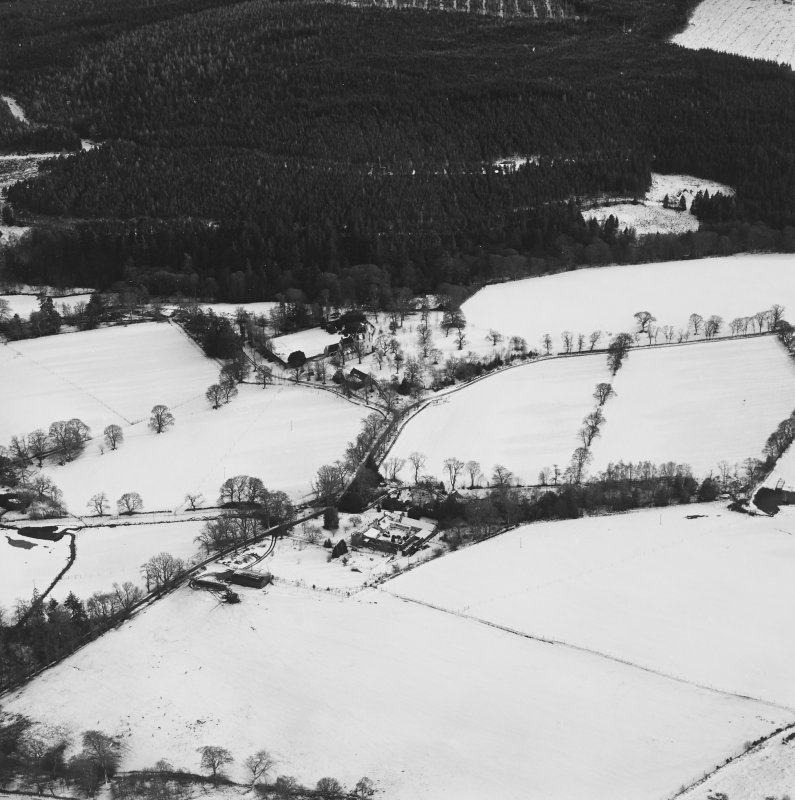 Oblique aerial view centred on the castle taken from the NW.