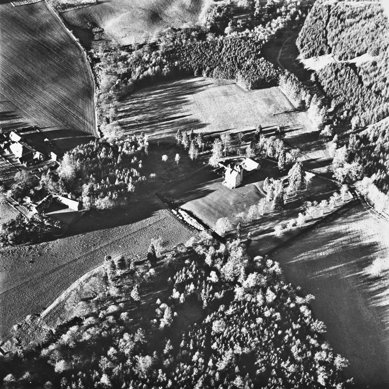 Aboyne, Aboyne Castle, Home Farm, Mains of Aboyne. Oblique aerial view.