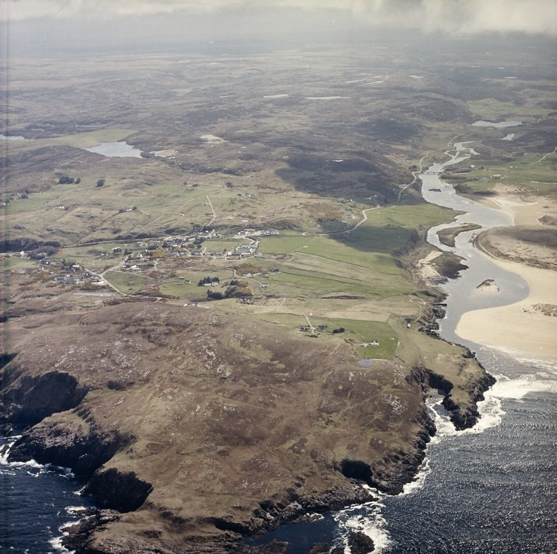 General oblique aerial view centred on the village of Bettyhill, taken from the NNW.