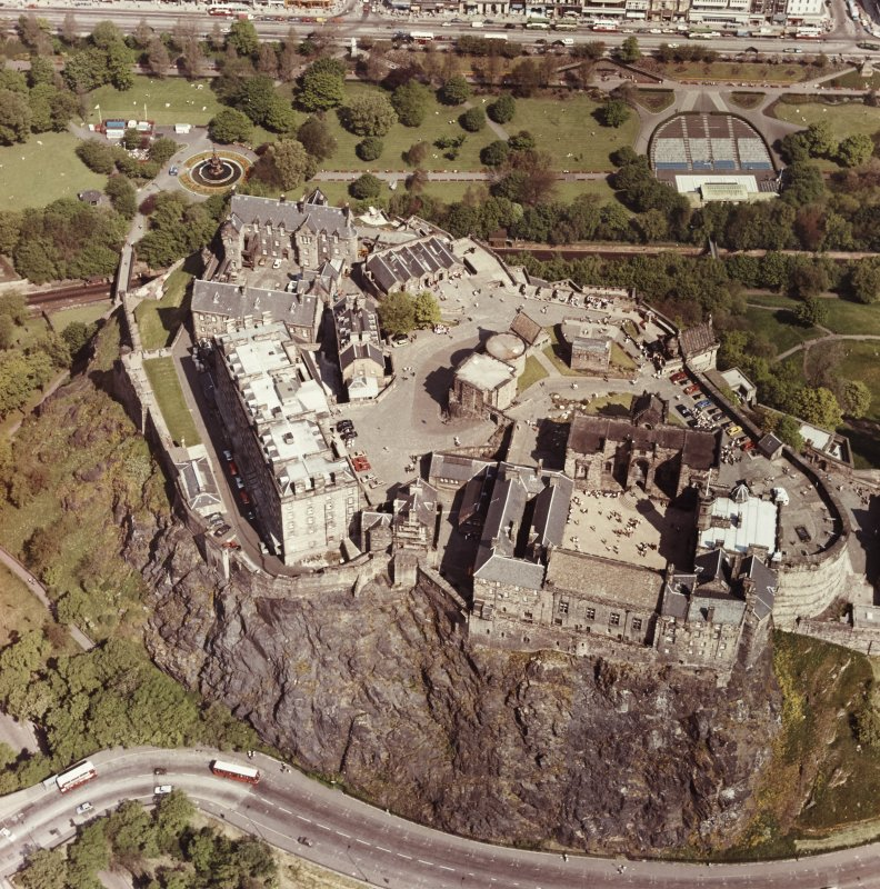 Aerial view of whole castle complex.