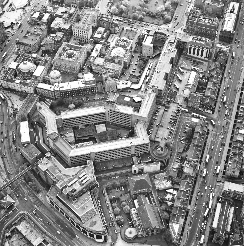 Oblique aerial view of Edinburgh centred on the St James Centre, taken from the NE.