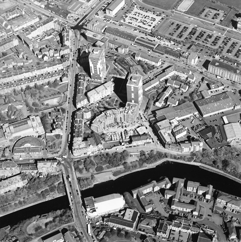 Oblique aerial view of North Leith, taken from the SE.