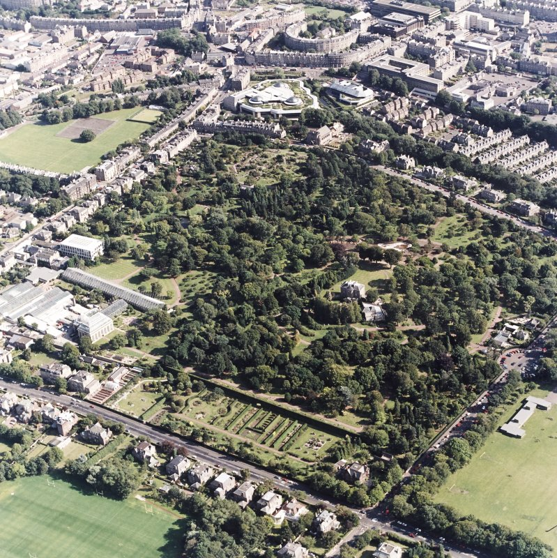 Edinburgh, oblique aerial view, taken from the NW, centred on the Royal Botanic Gardens and Inverleith House, with the Tanfield headquarters of Standard Life Assurance visible in the top half of the photograph.