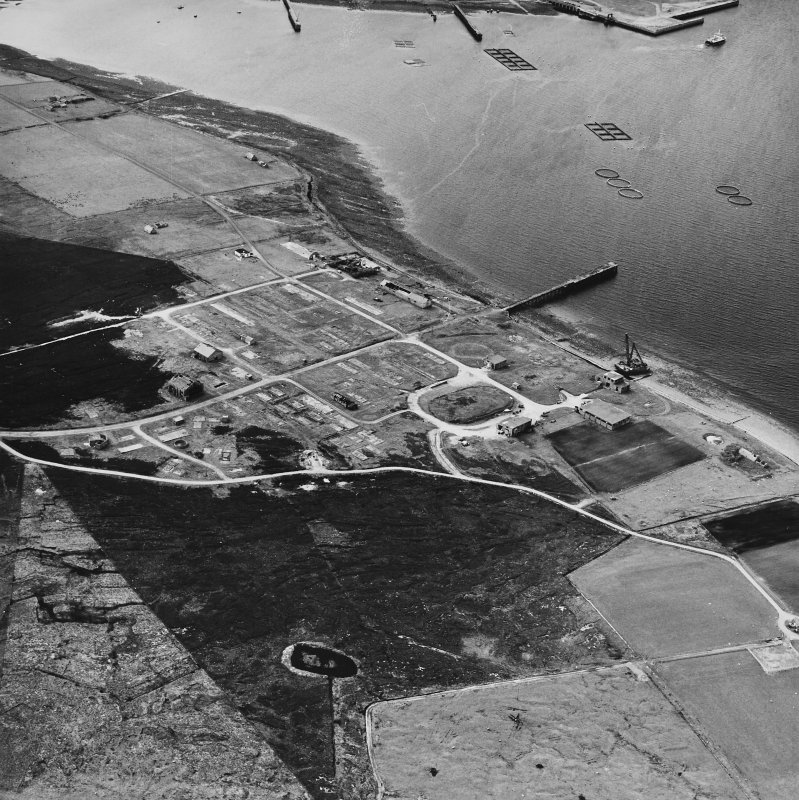 Hoy, Rinnigill, oblique aerial view, taken from the SE, centred on Rinnigill Military Camp.