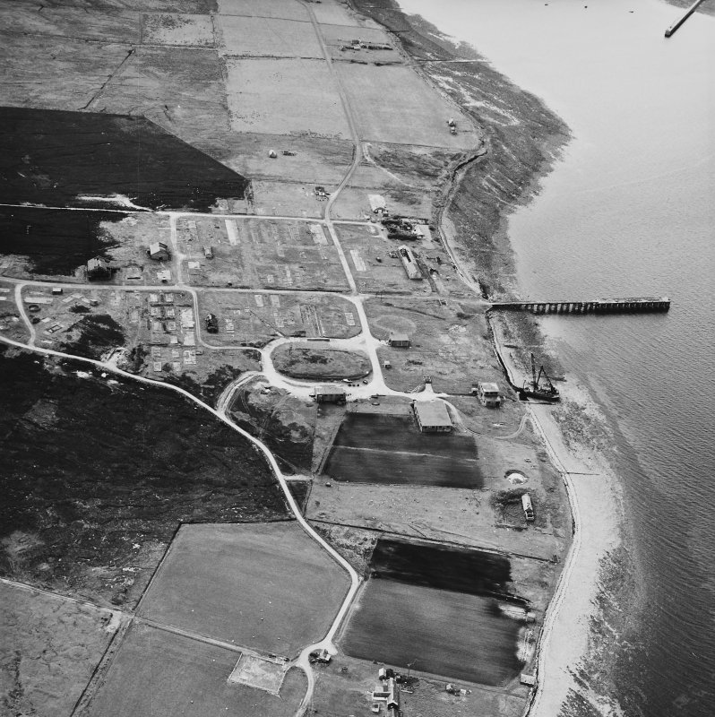 Hoy, Rinnigill, oblique aerial view, taken from the E, centred on Rinnigill Military Camp.