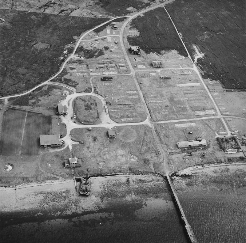 Hoy, Rinnigill, oblique aerial view, taken from the NNE, centred on Rinnigill Military Camp.