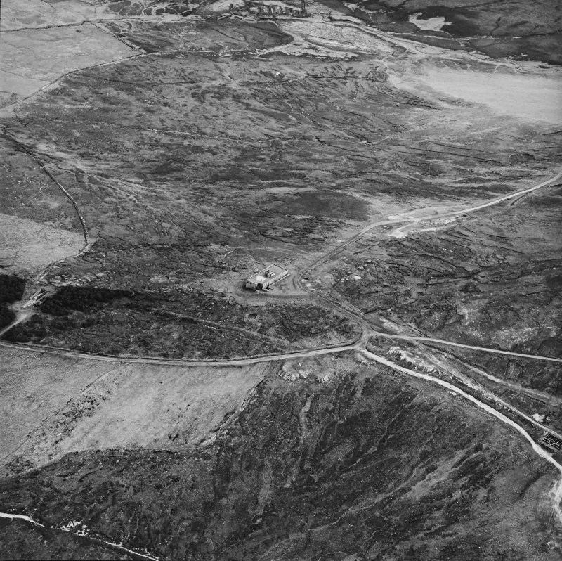 Hoy, Wee Fea, oblique aerial view, taken from the N, centred on the Naval Signal Station, and showing ruined buildings in the left centre of the photograph.