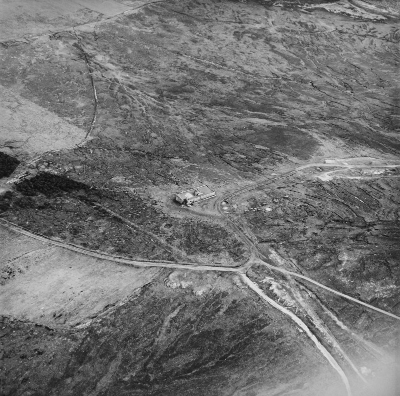Hoy, Wee Fea, oblique aerial view, taken from the NNW, centred on the Naval Signal Station, and showing ruined buildings in the centre left of the photograph.