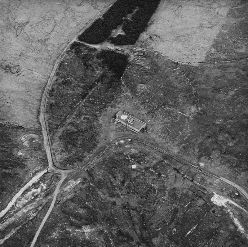 Hoy, Wee Fea, oblique aerial view, taken from the W, centred on the Naval Signal Station, and showing ruined buildings and a water tank in the top half of the photograph.