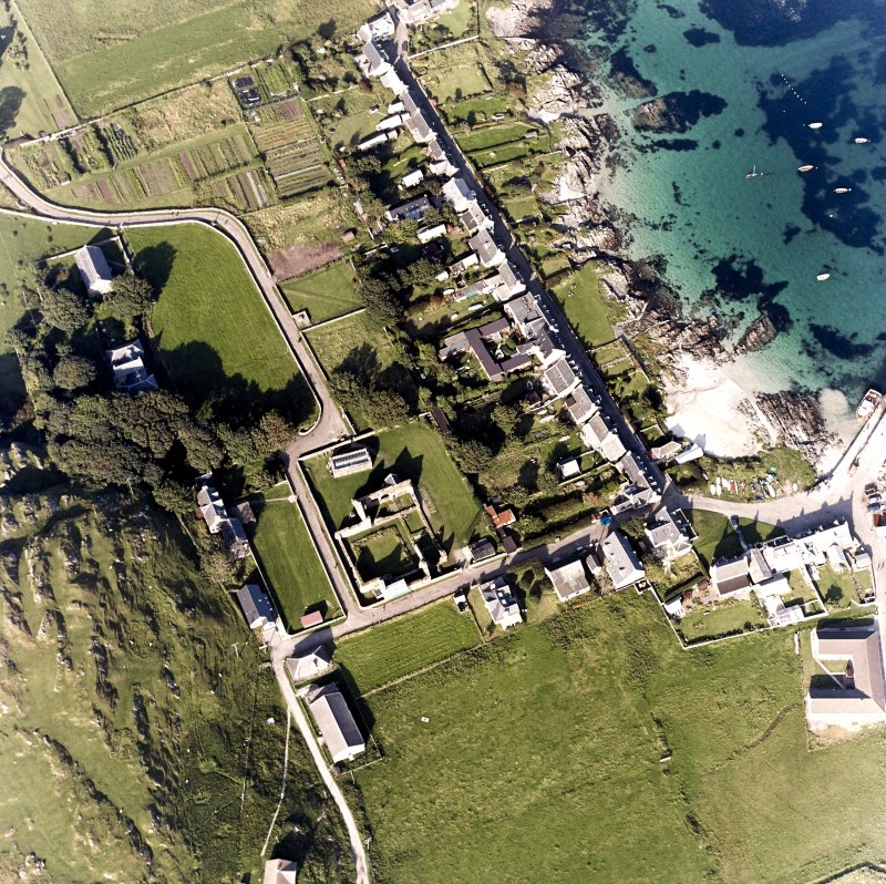 Iona, Iona Nunnery, Church, Manse & Baile Mor Village. Oblique aerial view from South-West.