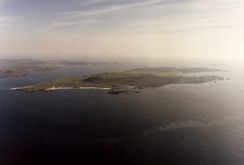 Iona, general. Oblique aerial view from North-West.