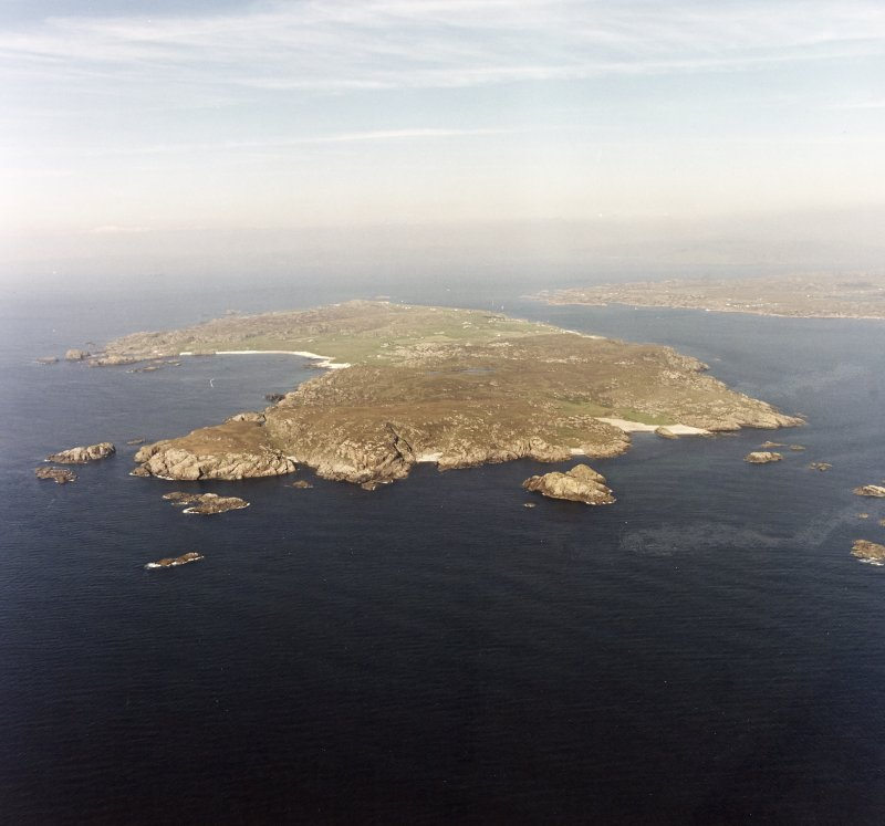 Iona, general. Oblique aerial view from South.