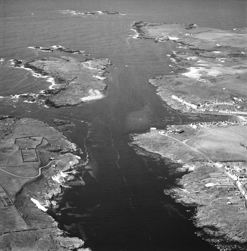 Oblique aerial photograph of Orsay Island, Eilean Mhic Coinnich, Portnahaven and Port Wemyss, Islay, taken from the SSE.