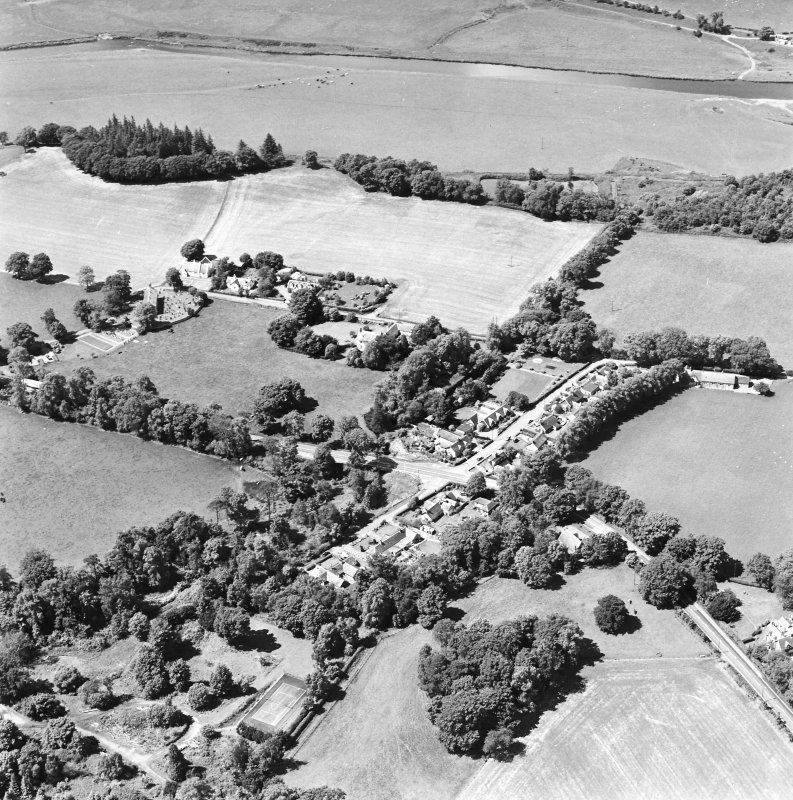 Oblique aerial view centred on Lamington village, taken from the ESE.