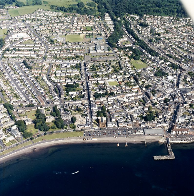 General oblique aerial view of the town, taken from the WNW.