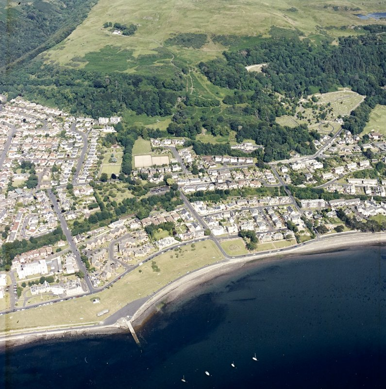 General oblique aerial view of the town, taken from the SW.