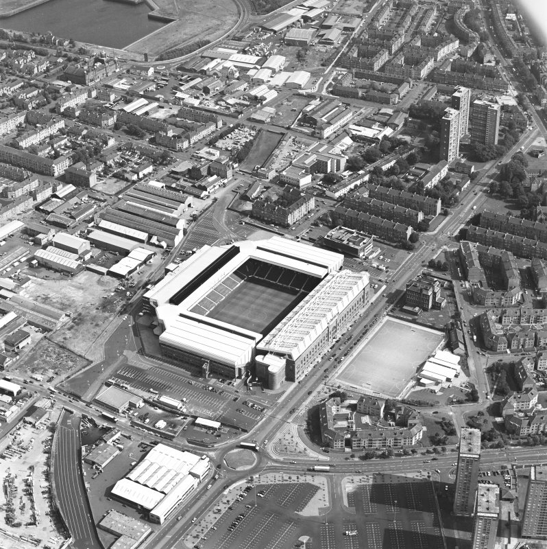 Oblique aerial view centred on Ibrox Stadium.