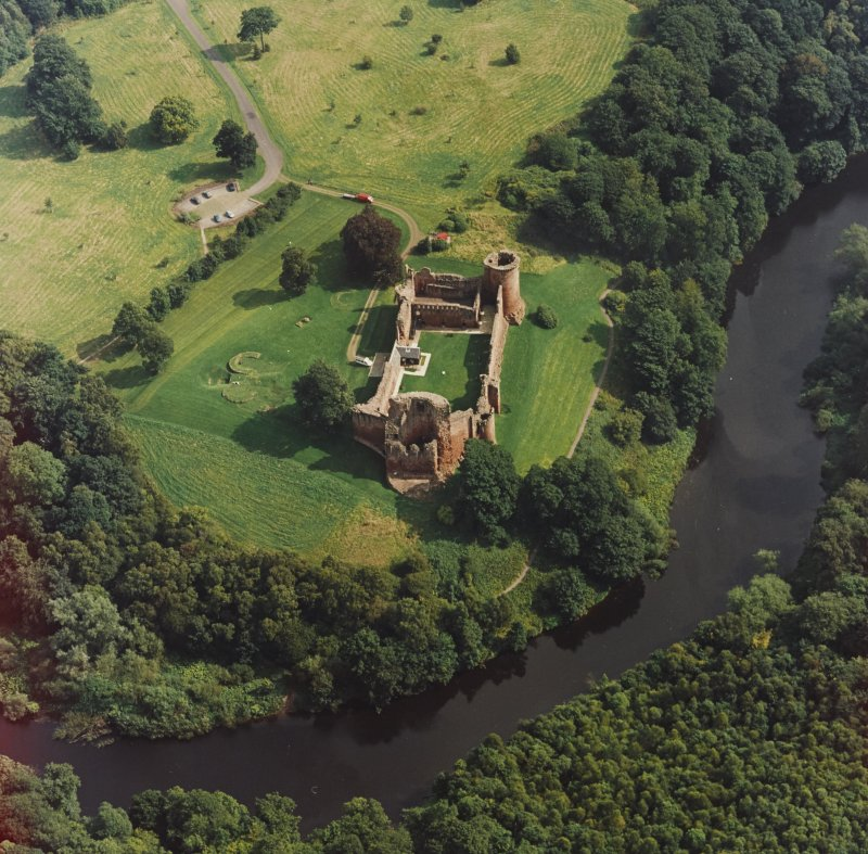 Bothwell Castle, oblique aerial view, taken from the W.