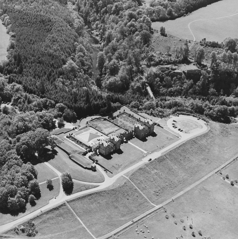 Aerial view of Chatelherault and Cadzow Castle, taken from the NNE.