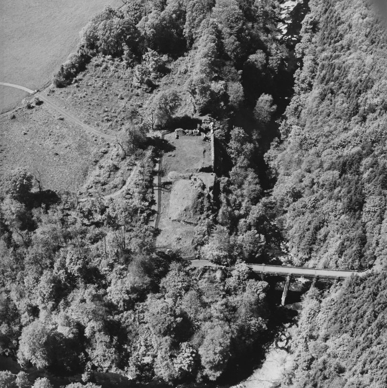 Aerial view of Cadzow Castle and the Duke's Bridge, taken from the ESE.
