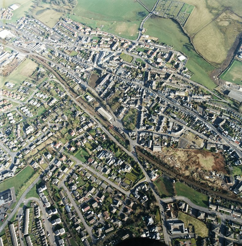 General oblique aerial view centred on the town centre taken from the WNW.