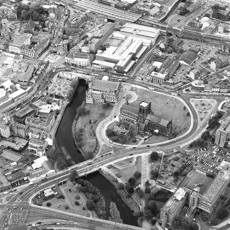 Oblique aerial view of Paisley centred on the abbey and town hall, taken from the SE.