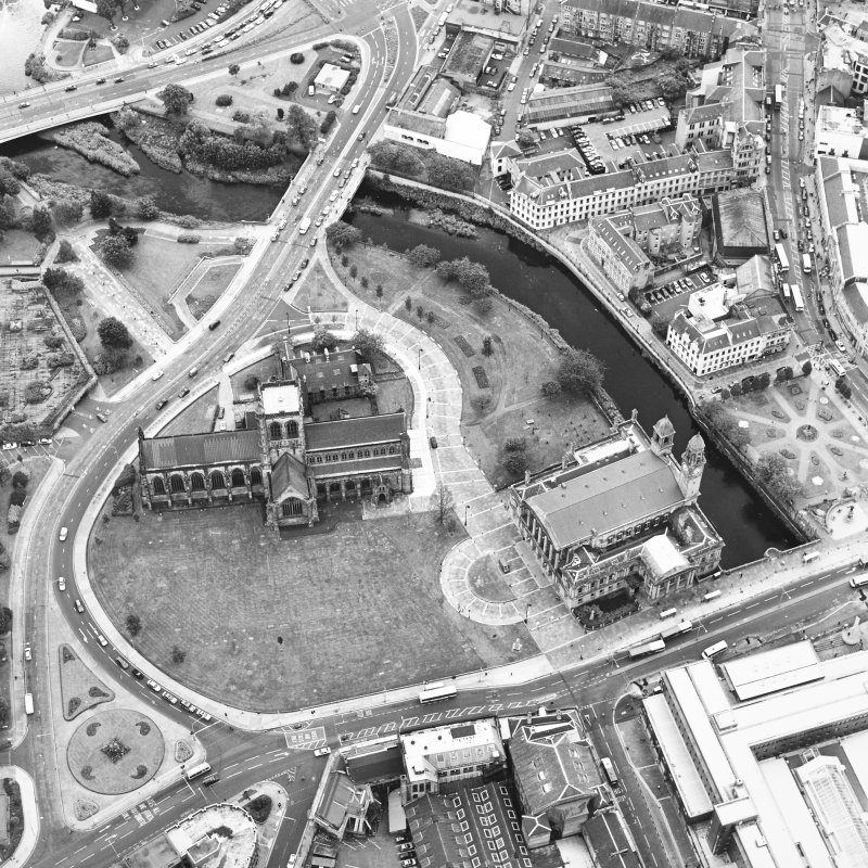 Oblique aerial view of Paisley centred on the abbey and town hall, taken from the N.