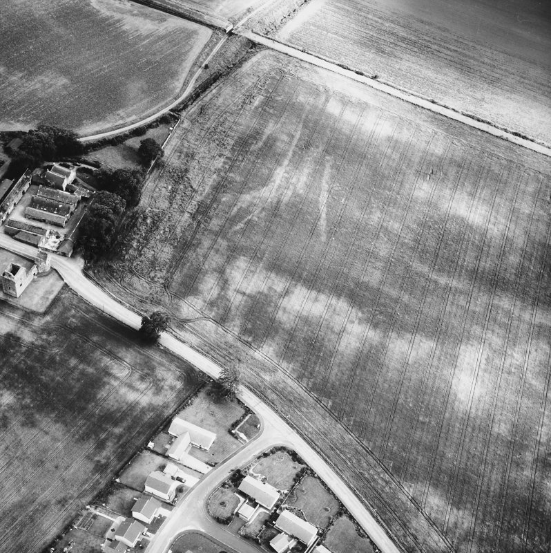 Burleigh Castle. general oblique aerial view.