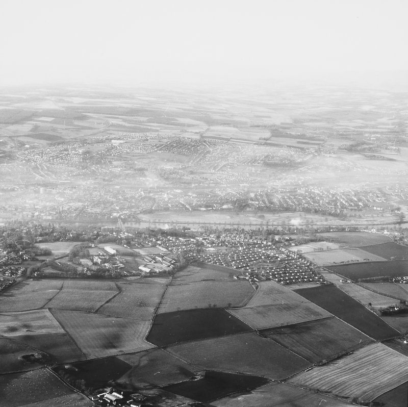 Perth, general. General oblique aerial view.