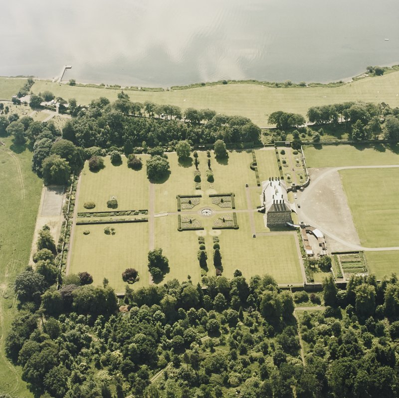 Oblique aerial view of Kinross House centred on the country house and garden, taken from the NE.