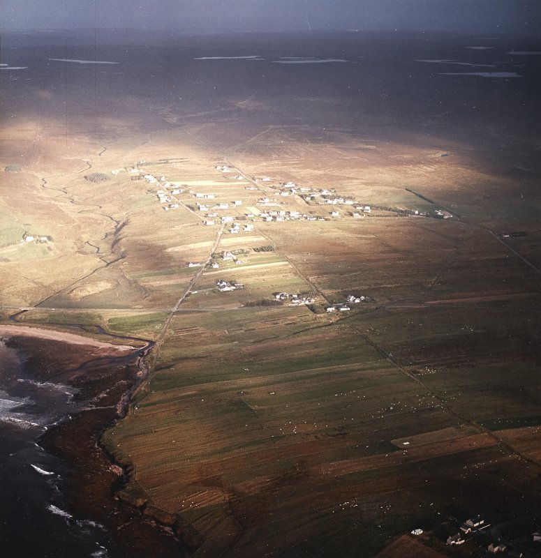 Oblique aerial view centred on the township, taken from the SE.