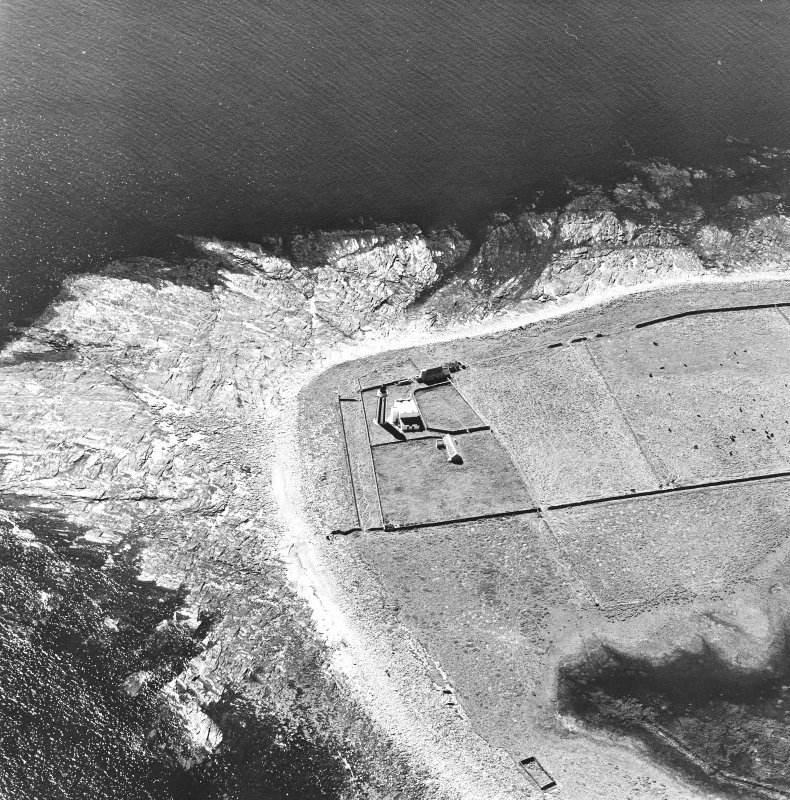 Oblique aerial view of Sanday, Start Point Lighthouse, lightkeeper's house and steading, taken from the N