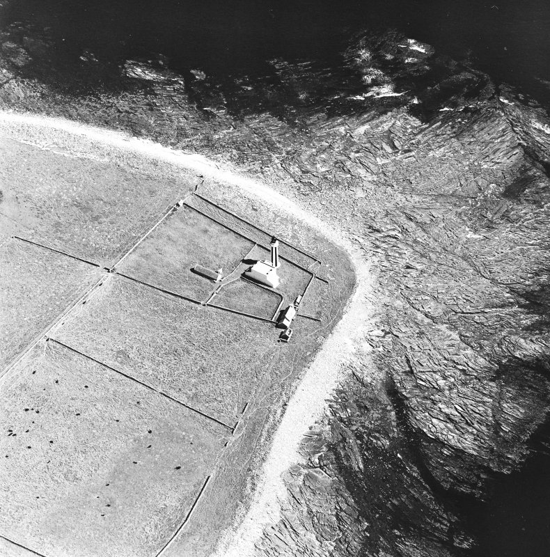 Oblique aerial view of Sanday, Start Point Lighthouse, lightkeeper's house and steading, taken from the SW