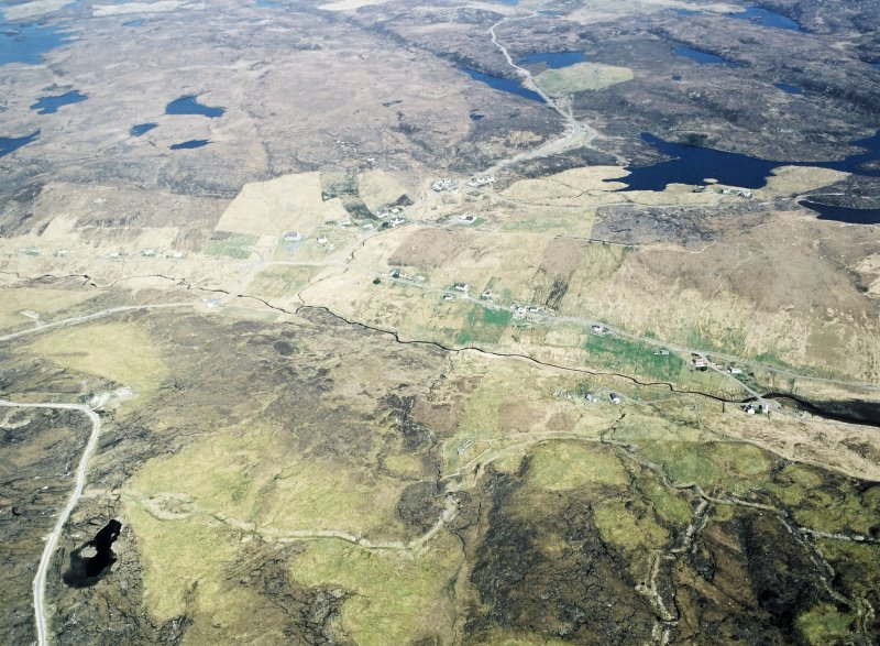 Oblique aerial view centred on the township, taken from the SSW.