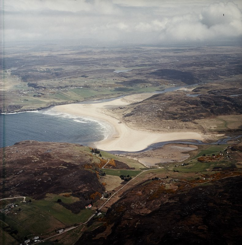 General oblique aerial view centred on Torrisdale Bay with the village of Bettyhill adjacent, taken from the WNW.