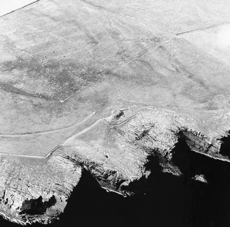 Oblique aerial view of Isbister chambered cairn, taken from the ESE.