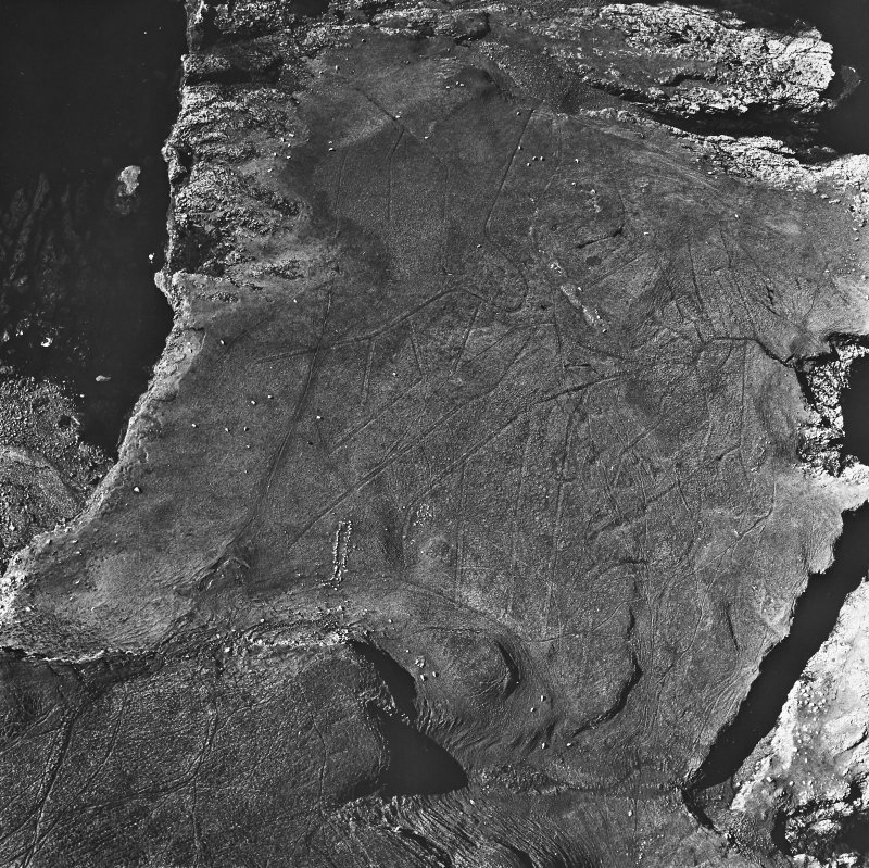 Canna, Rubha Langanes, structures: aerial view.